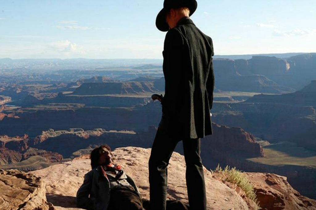 Boa parte da série foi filmada em Utah, e nos desertos do Arizona. Assim, o cenário simula com perfeição a ambientação do Velho Oeste.