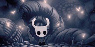 Imagem do protagonista de Hollow Knight, Metroidvania da Team Cherry, em que o protagonista está sentado perto de sua espada.