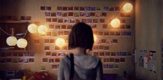 Imagem do jogo Life is Strange, que mostra a protagonista Max de frente para uma parede com dezenas de suas fotografias