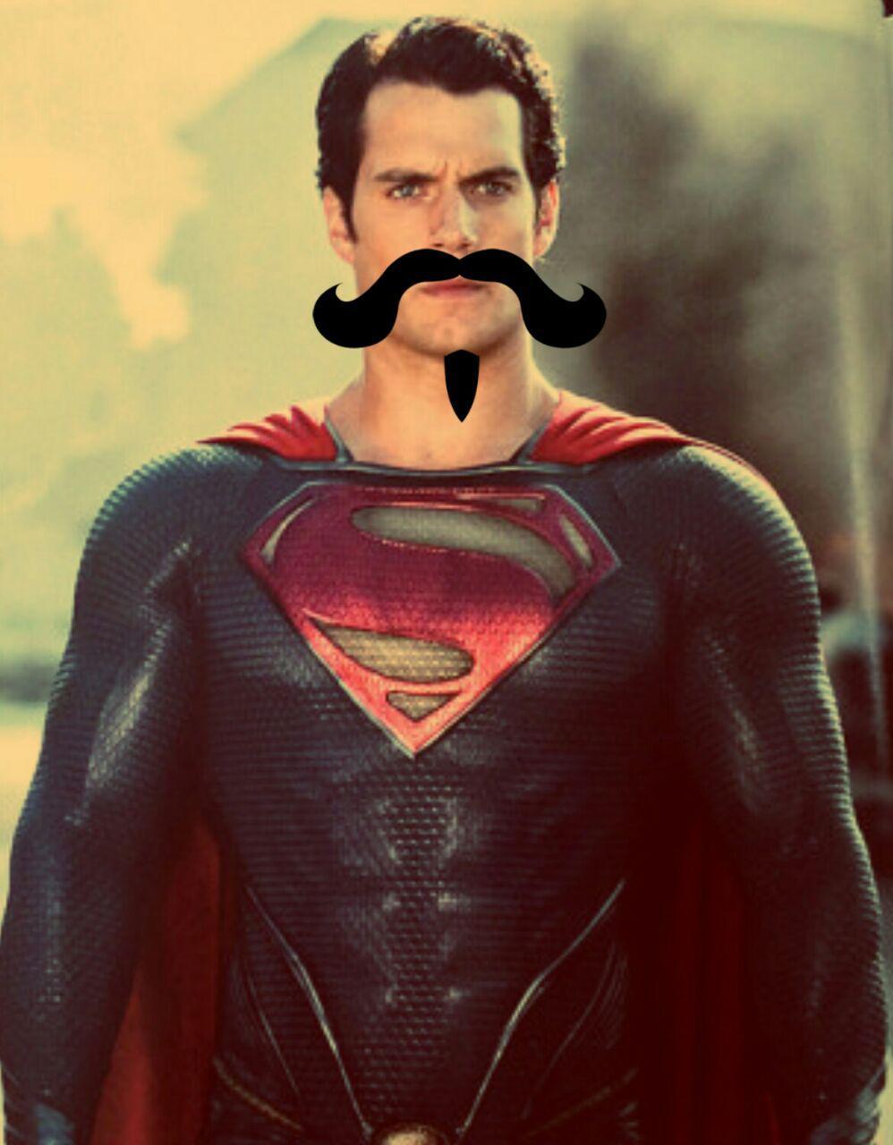 Ator que interpreta Homem de Aço na Liga da Jsutiça terá que permanecer com bigode nas regravações que serão feitas devido a um outro contrato para um longa.