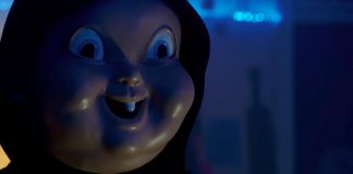 Imagem do filme A Morte Te Dá Parabéns, ou Happy Death Day, que mostra o rosto do assassino Babyface.