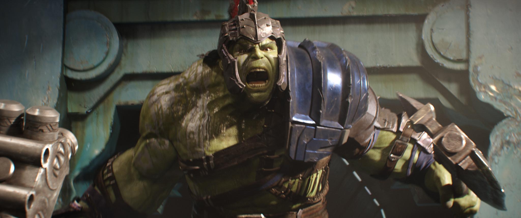 Hulk equipado com armadura de combate