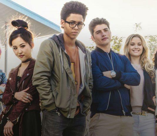 Imagem de divulgação da série Marvel's Runaways, ou Fugitivos, que mostra seis adolescentes com estilos distintos lado a lado de frente para a câmera.
