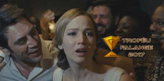 Imagem para os Melhores Filmes do Ano - Parte 2 mostra Jennifer Lawrence em mãe! com o selo do Troféu Falange