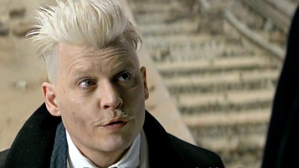 Imagem para Cinema 2018 mostra Johnny Depp caracterizado como o bruxo das trevas Grindelwald